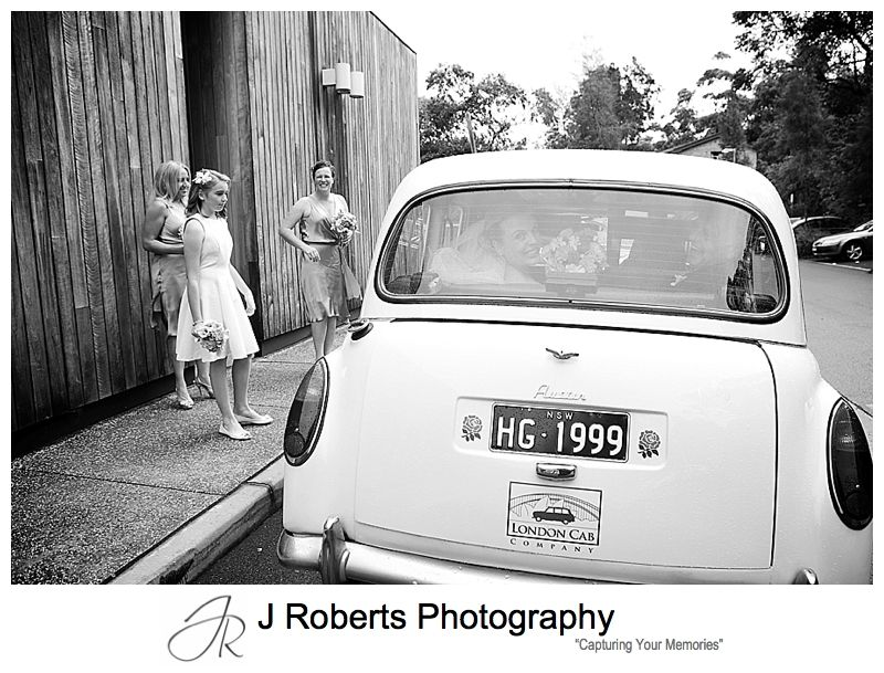 Brides arrival for wedding at sergeants' mess mosman - sydney wedding photography