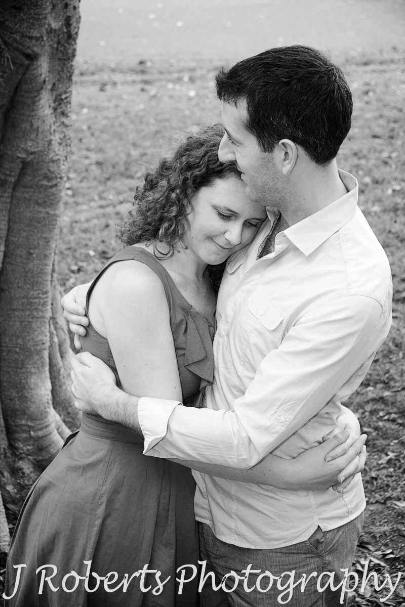 Embracing couple in B&W - engagement photography sydney