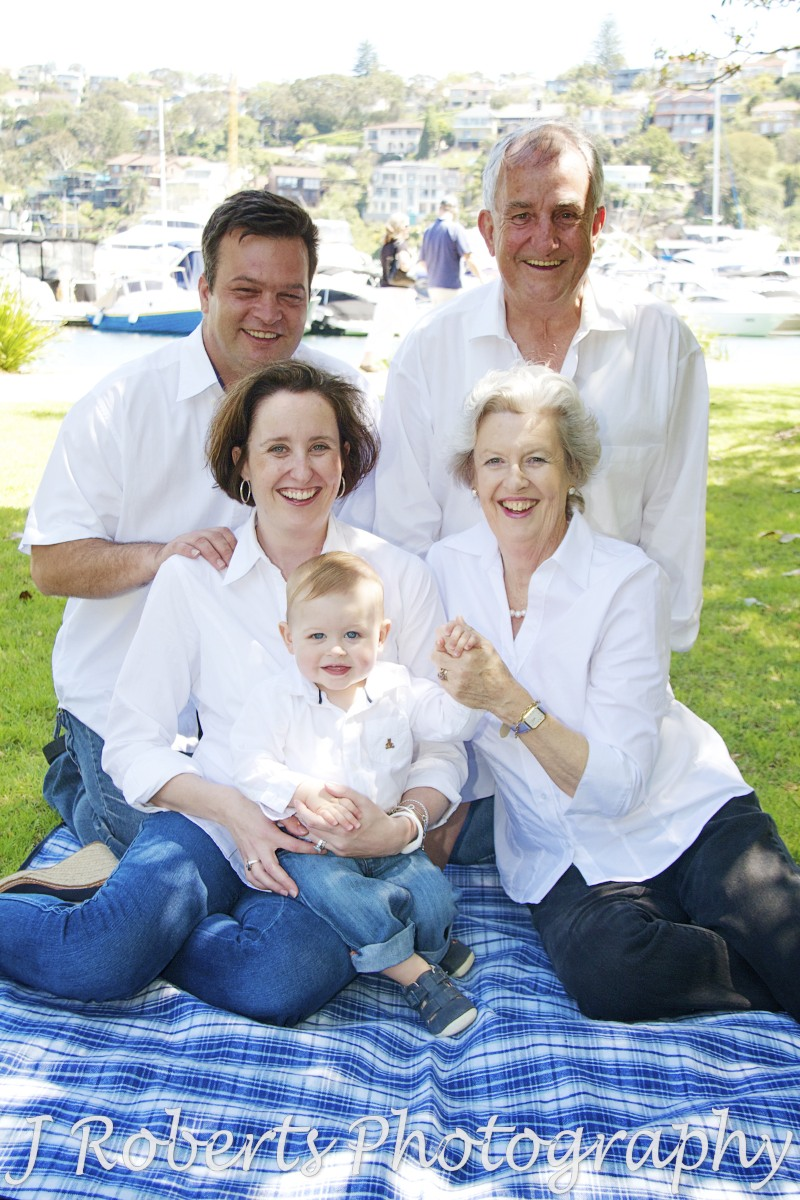 Extended family portrait - family portrait photography sydney