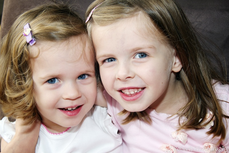 Sisters - family portrait photography