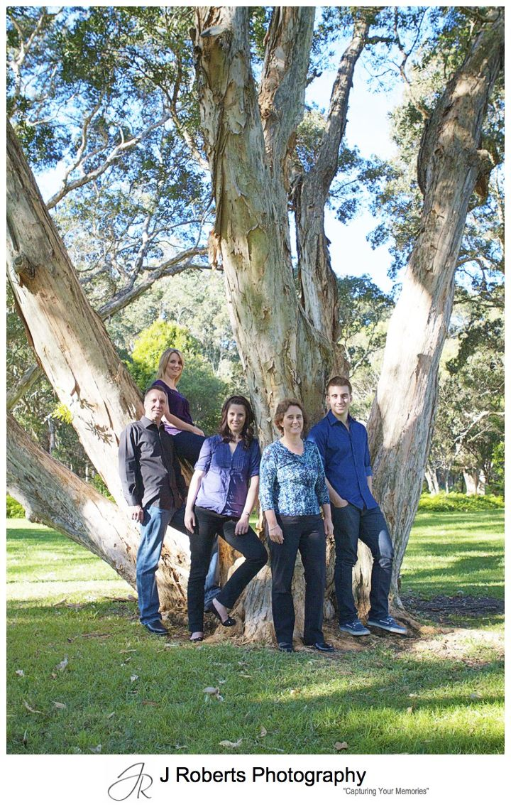 Family portrait in the paperbark trees at Centennial Park Sydney - family portrait photography sydney