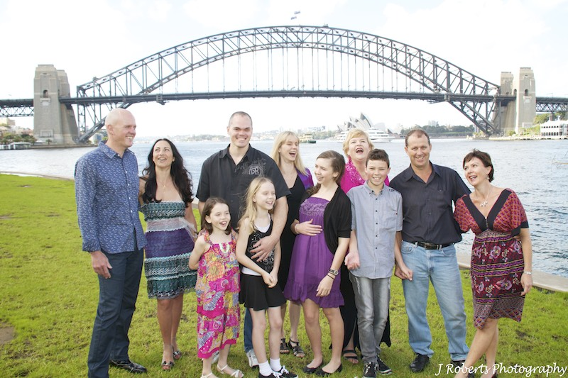 Extended family laughing - family portrait photography sydney