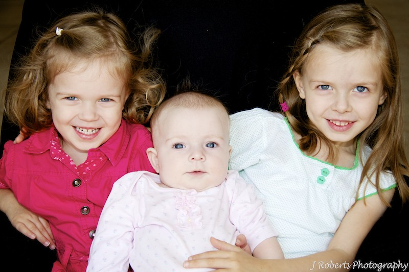 Portrait of 3 sisters - family portrait photography sydney