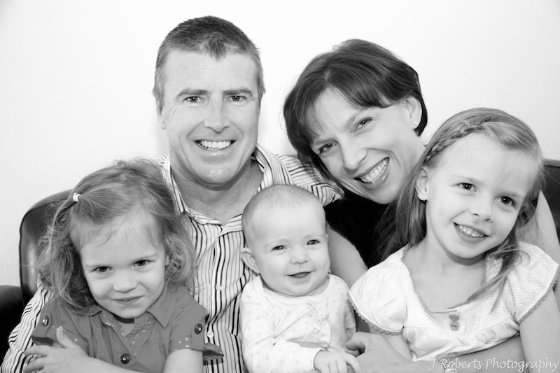 Family with 3 daughters - family portrait photography sydney