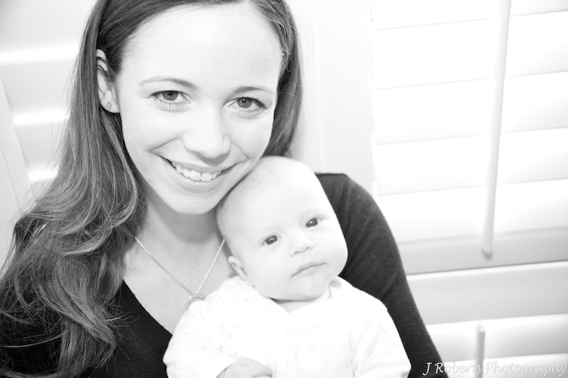 B&W of mother with baby - baby portrait photography sydney
