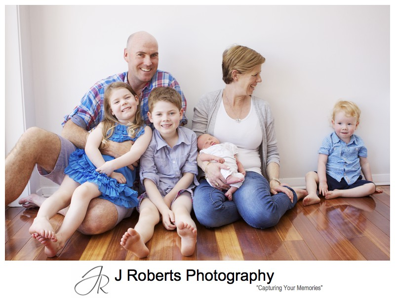 Family portrait with newborn baby - newborn baby portrait photography sydney