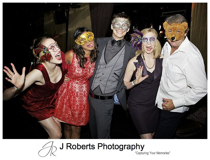Fun group photo at 21st birthday party goldfish kings cross - sydney party photography