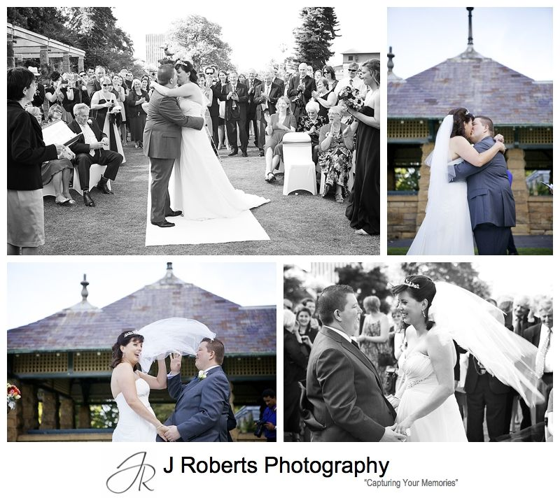 The kiss at the rose gardens royal botanic gardens sydney - sydney wedding photography