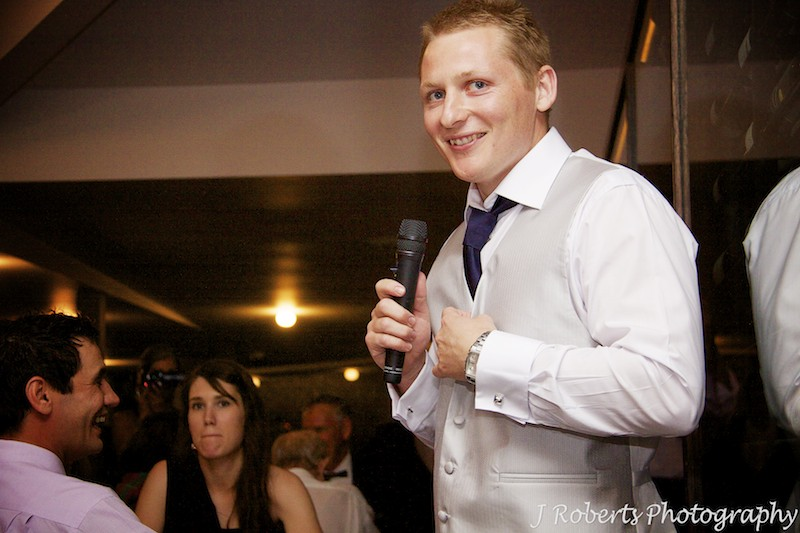 Best man speaking at reception - wedding photography sydney