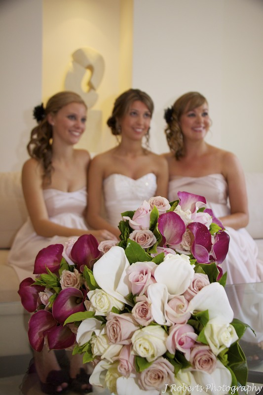 Bridal flowers and bridesmaids - wedding photography