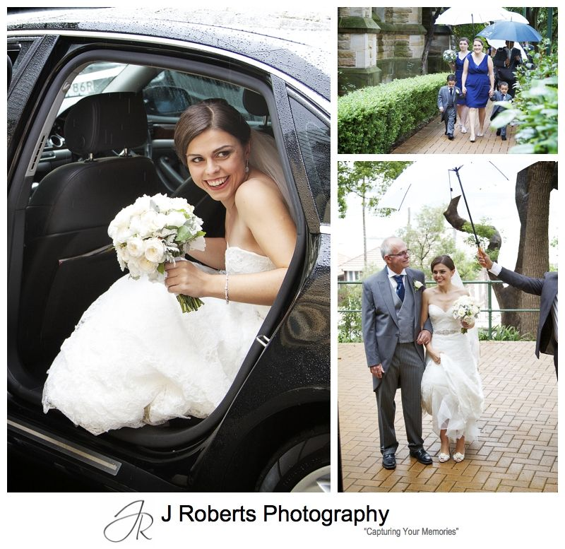 Bride arriving in the rain at Christ Church Lavender Bay - sydney wedding photography