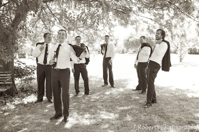 Groom casual with his groomsmen at garden wedding - wedding photography sydney