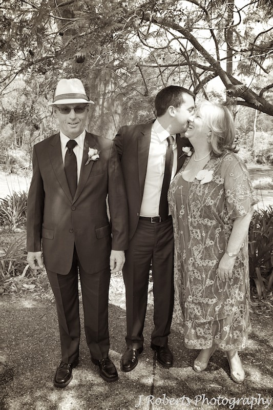 Groom with his parents before the wedding - wedding photography sydney