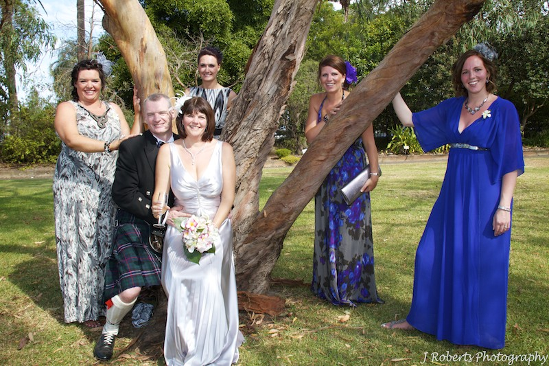 Couple with sisters - wedding photography sydney