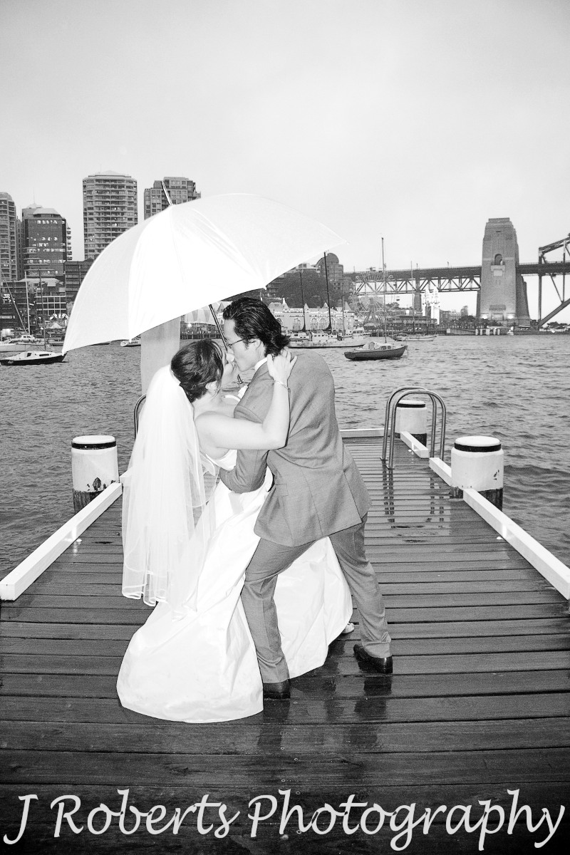 Groom dipping bride - wedding photography sydney