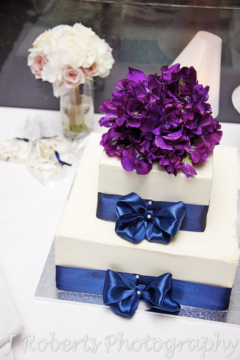 wedding cake at aqua dining - wedding photography sydney