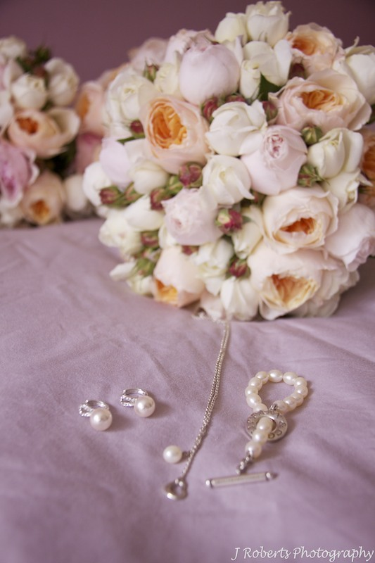 Wedding flowers and jewellery - wedding photography sydney