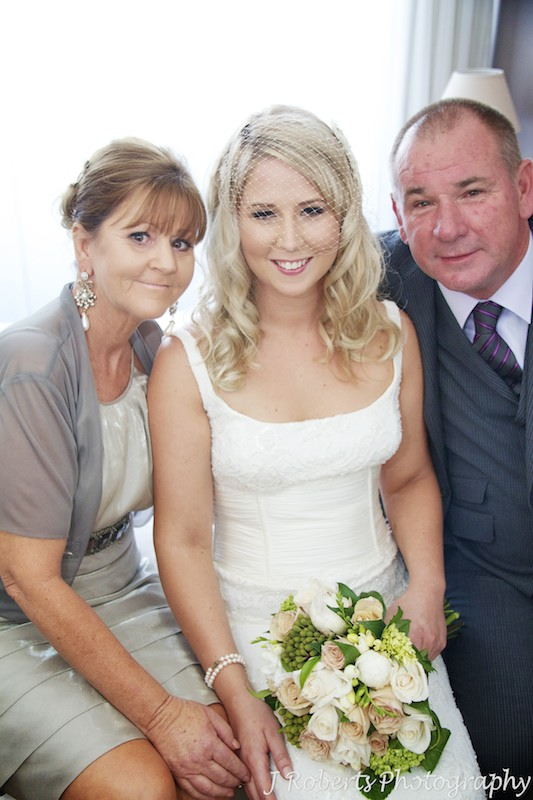 Bride with parents before the wedding - wedding photography sydney