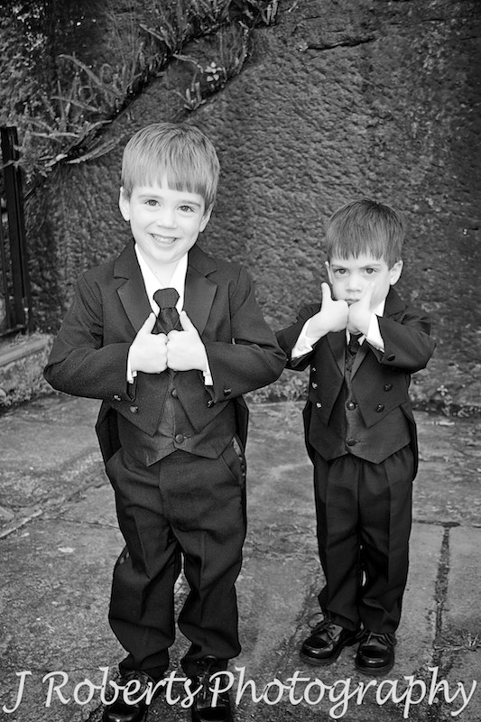 Paige boys giving the thumbs up - wedding photography sydney