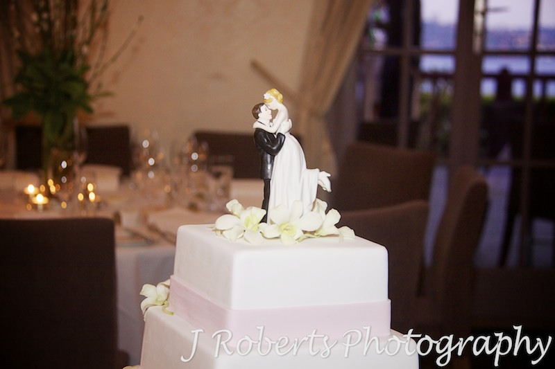 Wedding cake with bride and groom figurine - wedding photography sydney