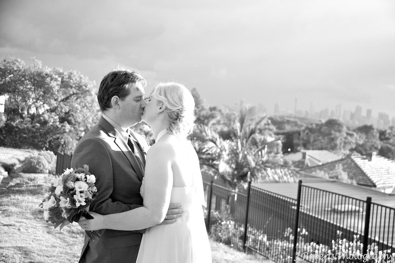 B&W couple kissing in sunset - wedding photography sydney