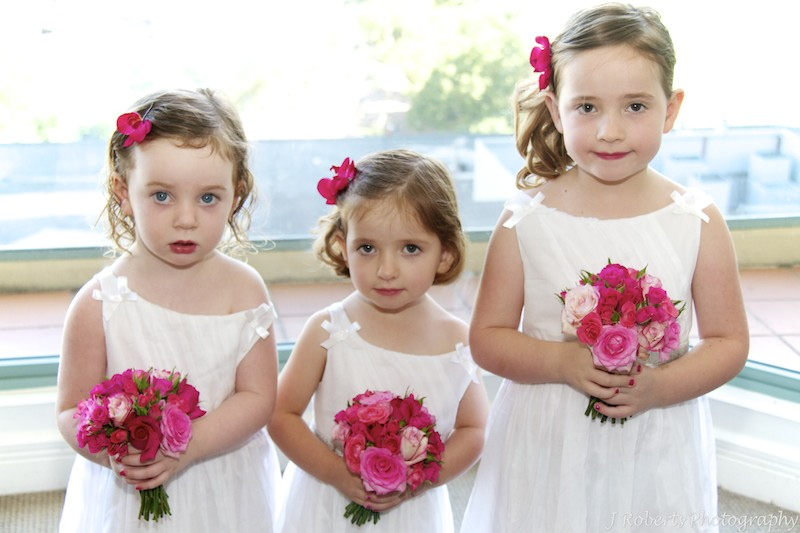 Flower girls with flowers by Show posies - wedding photography sydney